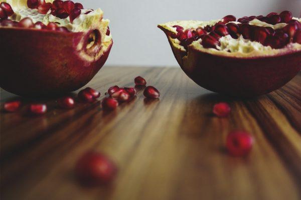 Granatapfel-kaufen-frucht